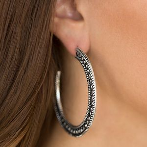 Jewelry - Set of 4 hoop earrings